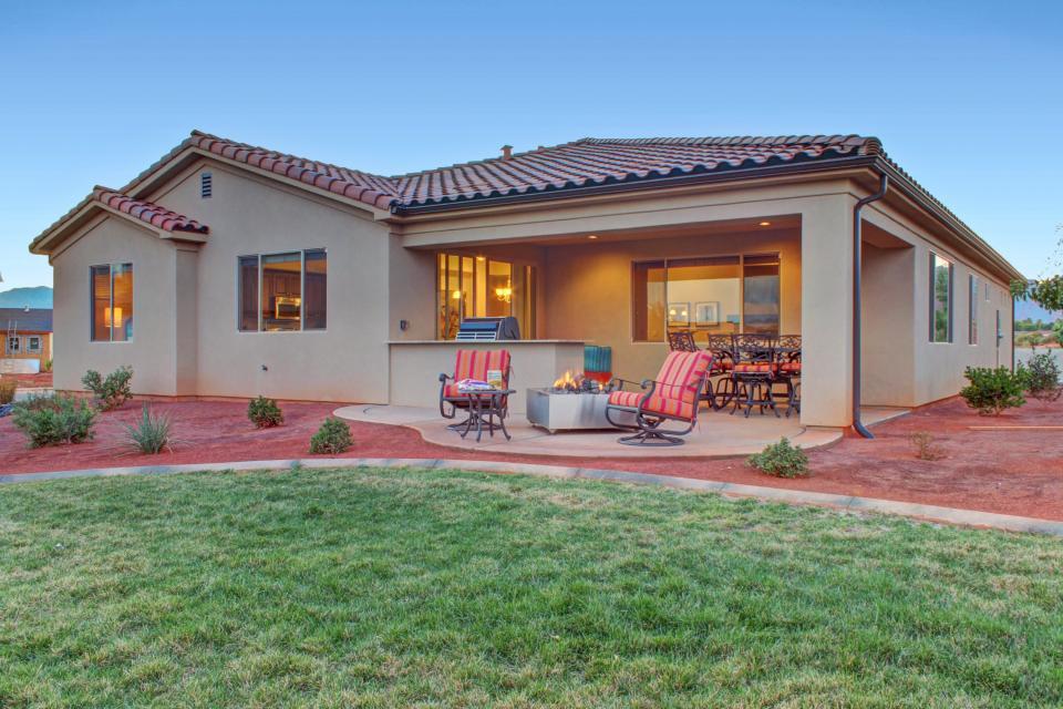 Mountain View Retreat: Paradise Village at Zion #39 - Santa Clara Vacation Rental - Photo 45