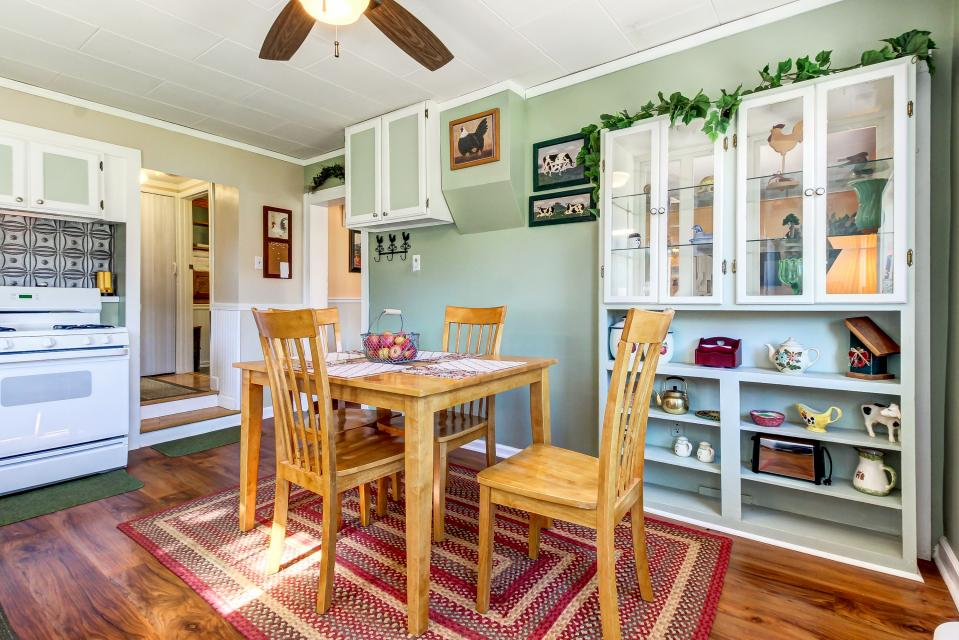 Ye Olde Yellow House - Parowan Vacation Rental - Photo 13