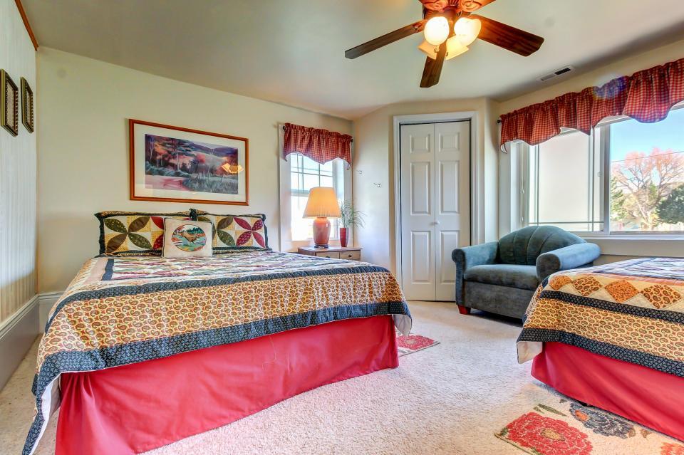 Ye Olde Yellow House - Parowan Vacation Rental - Photo 30