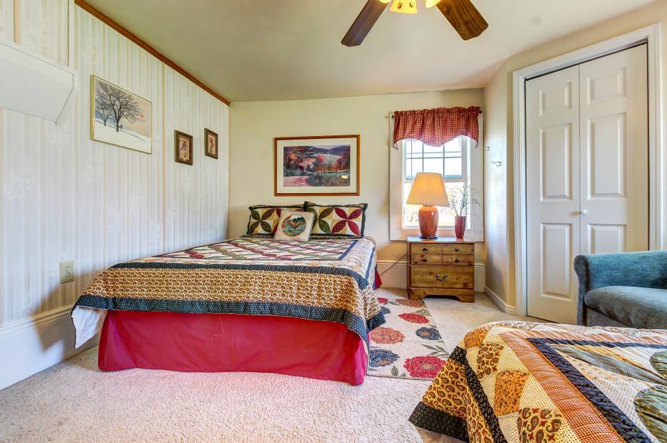 Ye Olde Yellow House - Parowan Vacation Rental - Photo 33