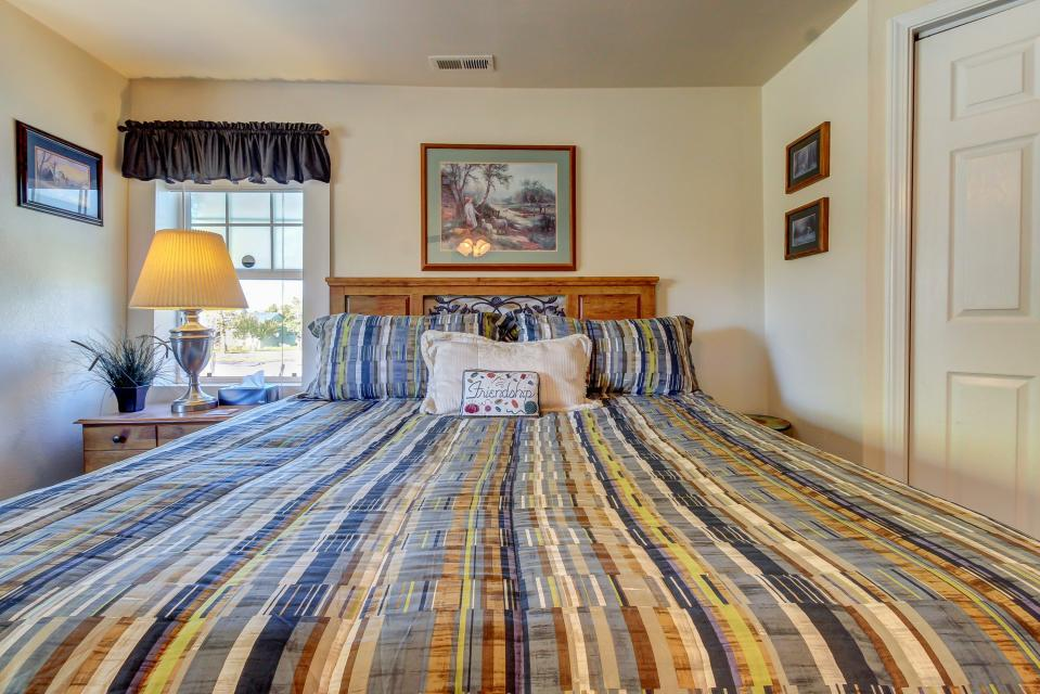 Ye Olde Yellow House - Parowan Vacation Rental - Photo 28