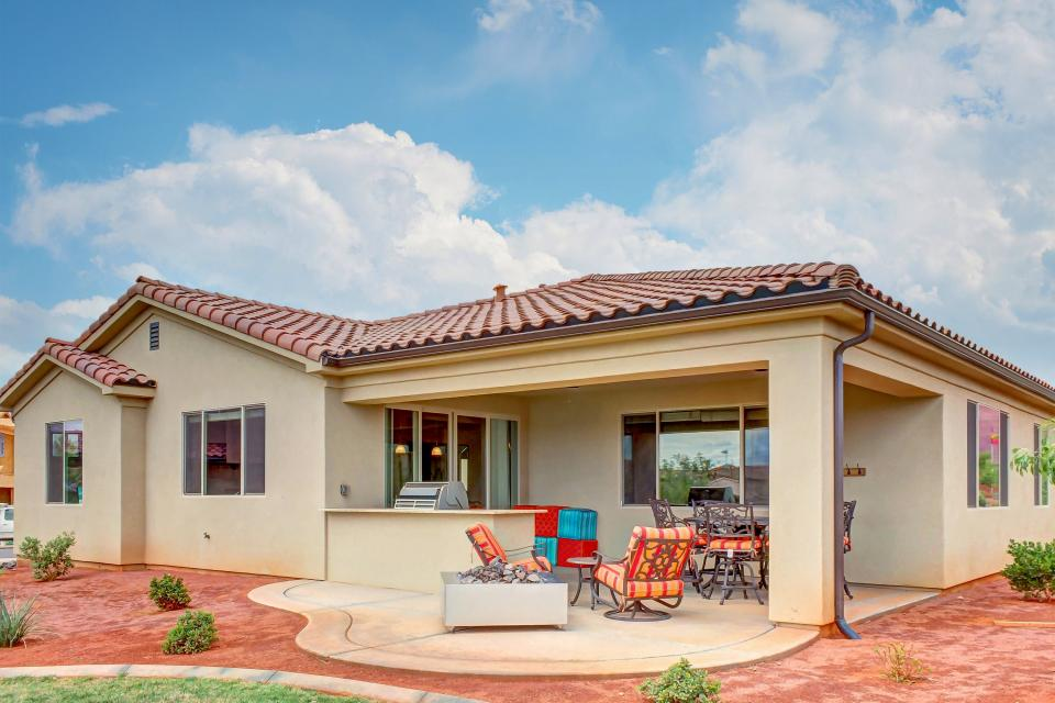 Mountain View Retreat: Paradise Village at Zion #39 - Santa Clara Vacation Rental - Photo 39