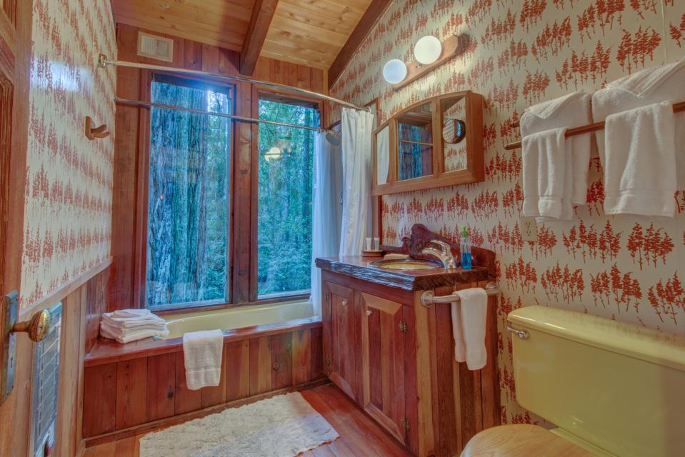 Fairy Ring Cottage - Mendocino Vacation Rental - Photo 22