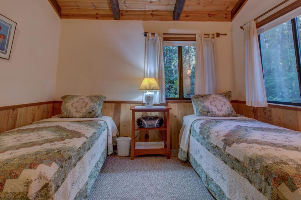 Fairy Ring Cottage - Mendocino Vacation Rental - Photo 18