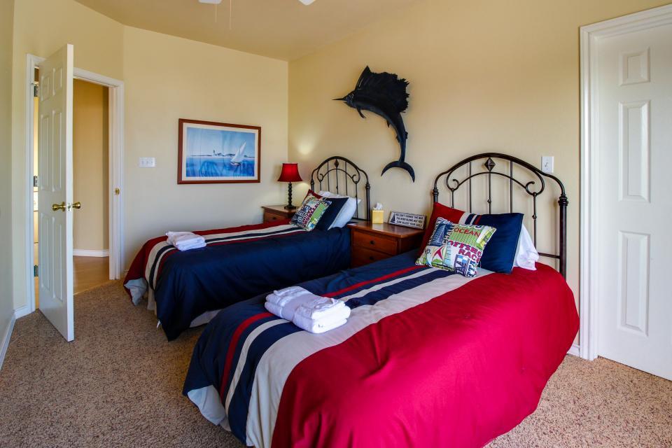 Don't Worry, Be Happy  - Galveston Vacation Rental - Photo 26