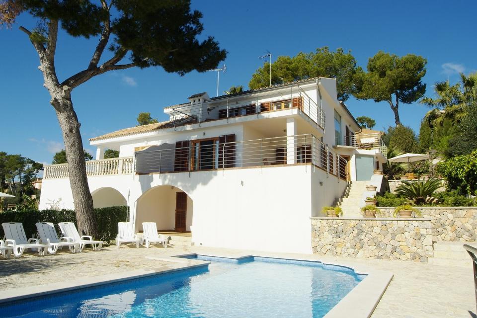 Villa Alcanada - Alcudia Vacation Rental - Photo 1