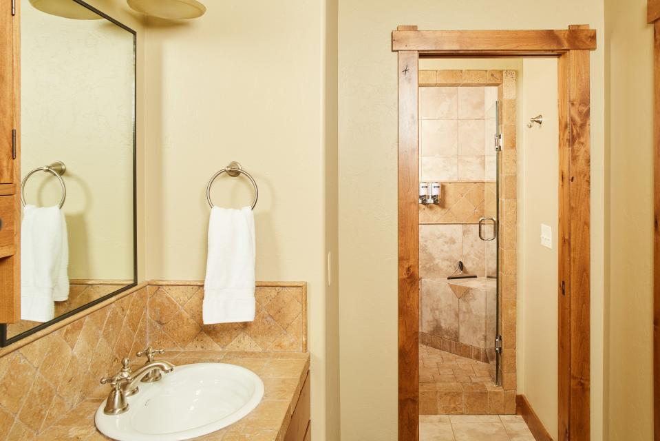 Essentia Townhome 145A - Big Sky Vacation Rental - Photo 18