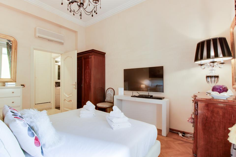Spanish Steps Luxury Terrace Apartment - Rome Vacation Rental - Photo 19