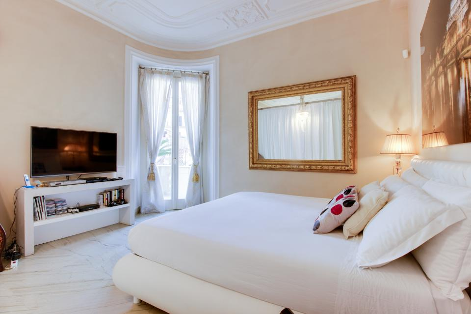 Spanish Steps Luxury Terrace Apartment - Rome Vacation Rental - Photo 15