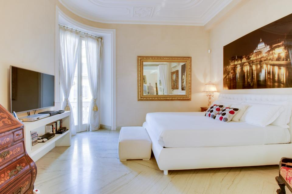 Spanish Steps Luxury Terrace Apartment - Rome Vacation Rental - Photo 13