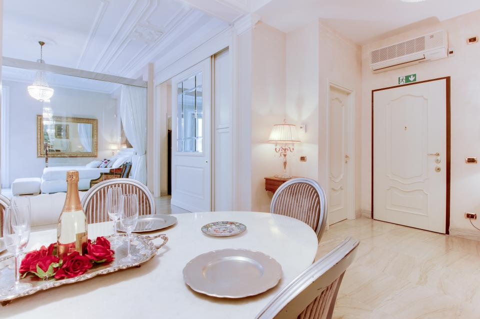 Spanish Steps Luxury Terrace Apartment - Rome Vacation Rental - Photo 9