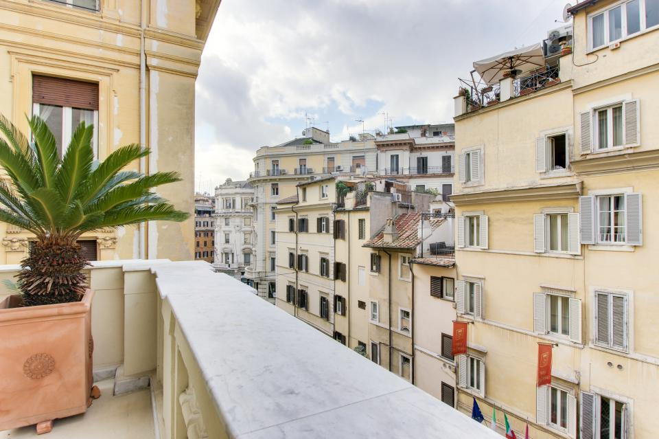 Spanish Steps Luxury Terrace Apartment - Rome Vacation Rental - Photo 4