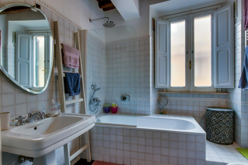 Trastevere View Apartment - Rome Vacation Rental - Photo 17