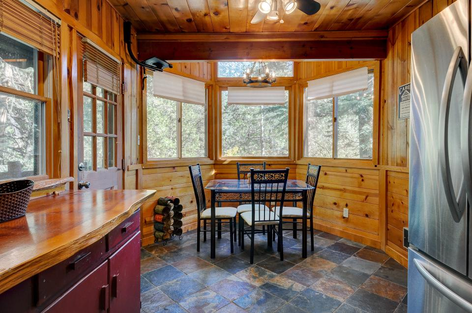 Lily View - Idyllwild Vacation Rental - Photo 10