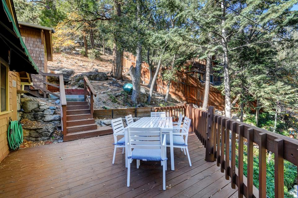 Lily View - Idyllwild Vacation Rental - Photo 11