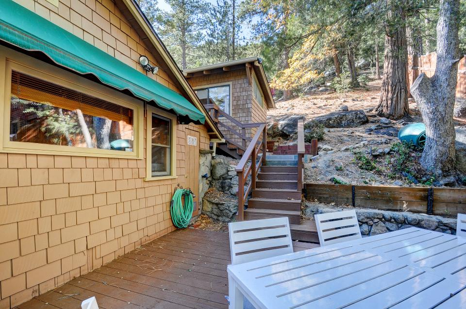 Lily View - Idyllwild Vacation Rental - Photo 12