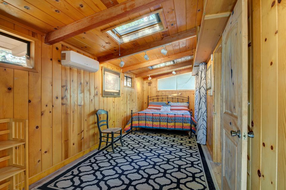 Lily View - Idyllwild Vacation Rental - Photo 23