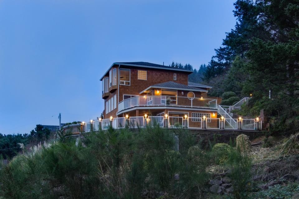 Neptune's Lookout - Lincoln City Vacation Rental - Photo 42