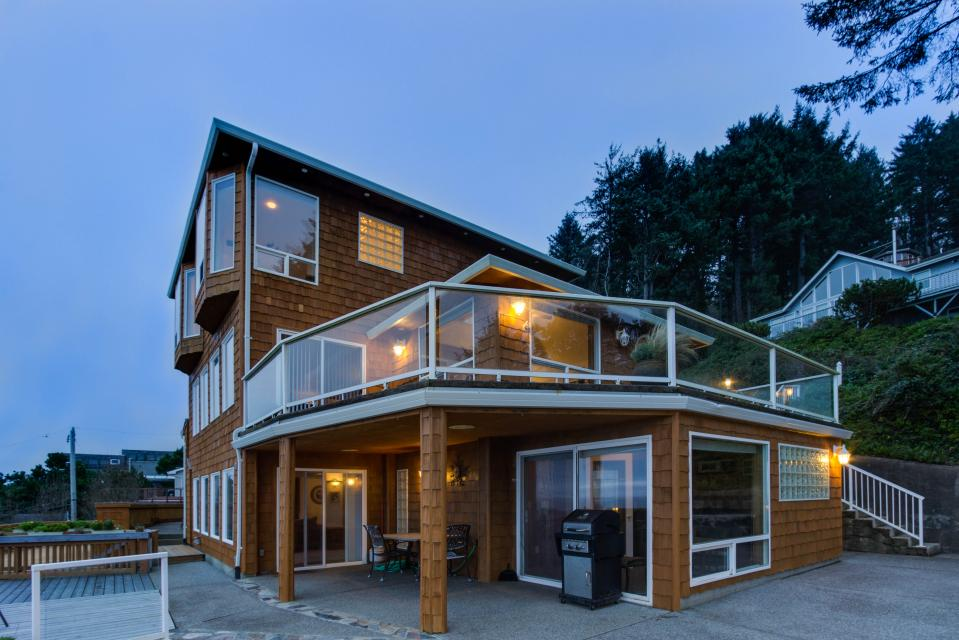 Neptune's Lookout - Lincoln City Vacation Rental - Photo 43