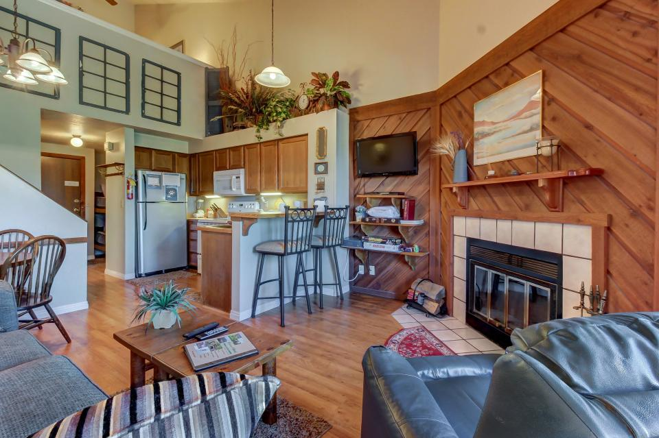 The timberbrook hideaway 1 bd vacation rental in brian for Cabin rentals vicino a brian head utah