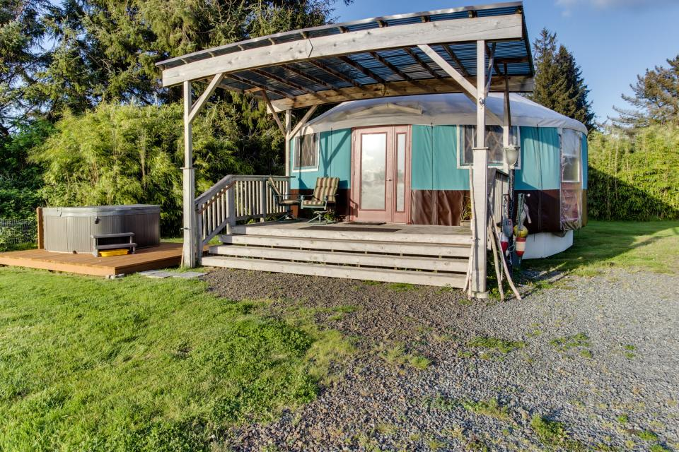 Yurt on the Bay - Bay City Vacation Rental - Photo 7
