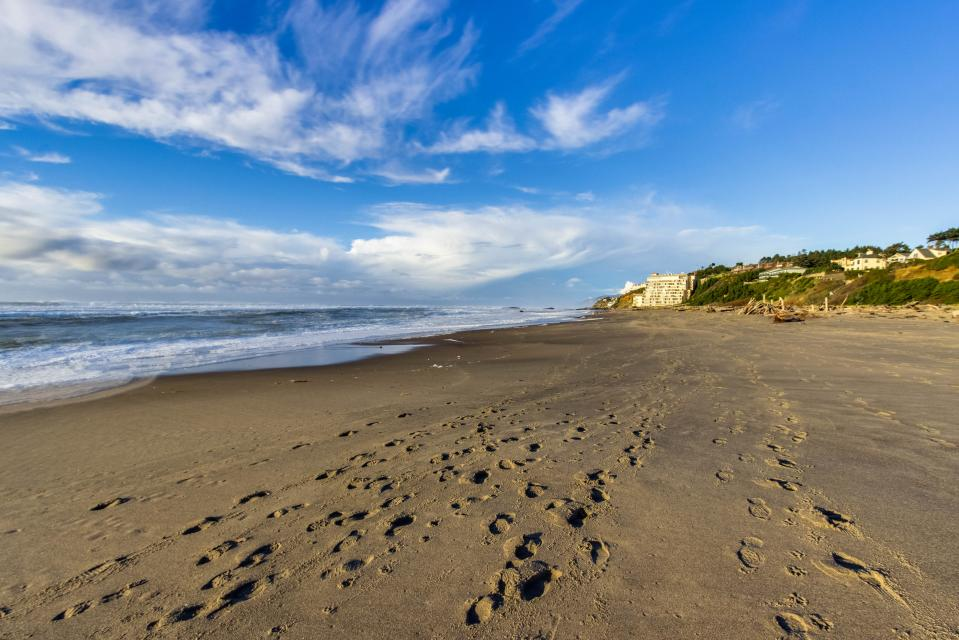 Taft Beach House - Lincoln City Vacation Rental - Photo 29