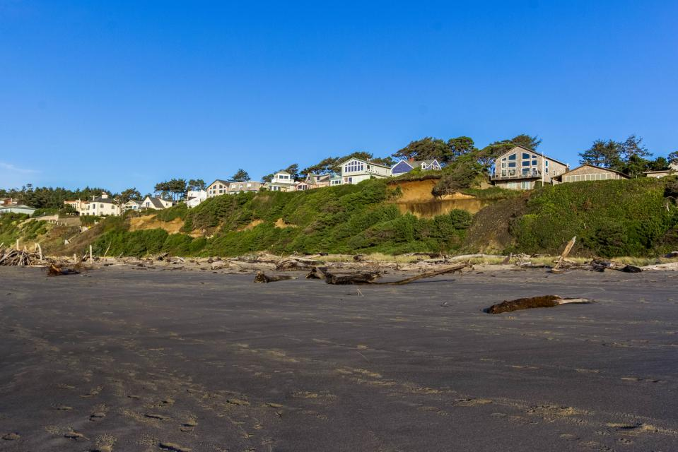 Taft Beach House - Lincoln City Vacation Rental - Photo 28