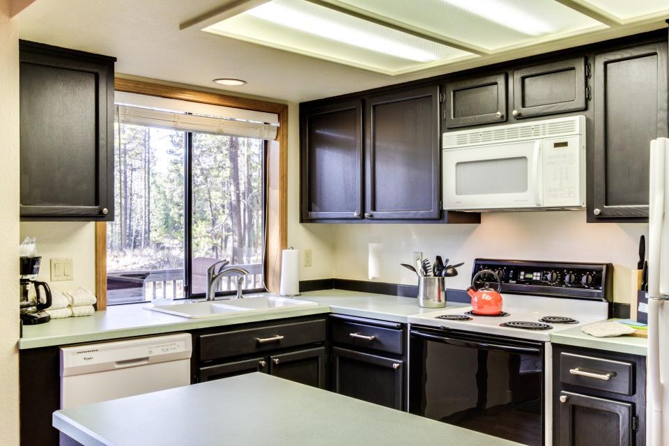 28 Cypress - Sunriver Vacation Rental - Photo 13