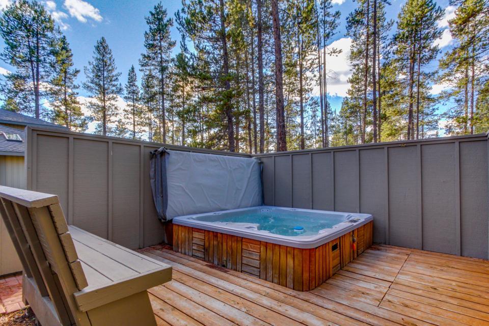 28 Cypress - Sunriver Vacation Rental - Photo 2