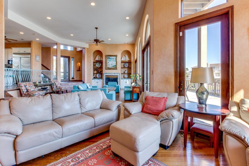 Suite Retreat  - Galveston Vacation Rental - Photo 12