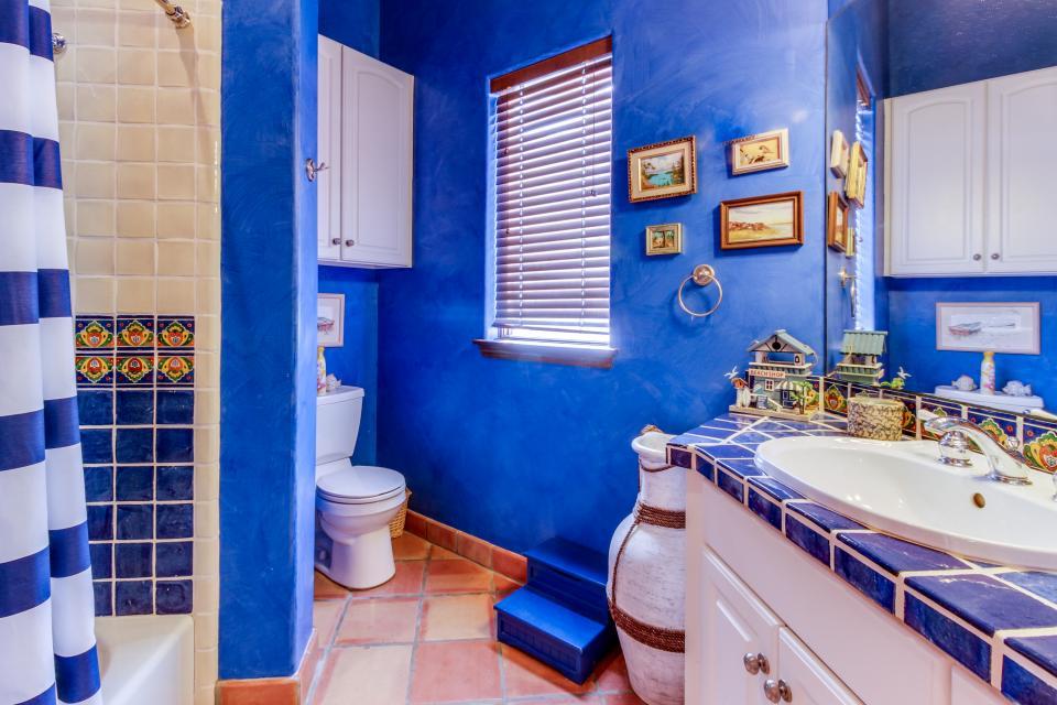 Suite Retreat  - Galveston Vacation Rental - Photo 26