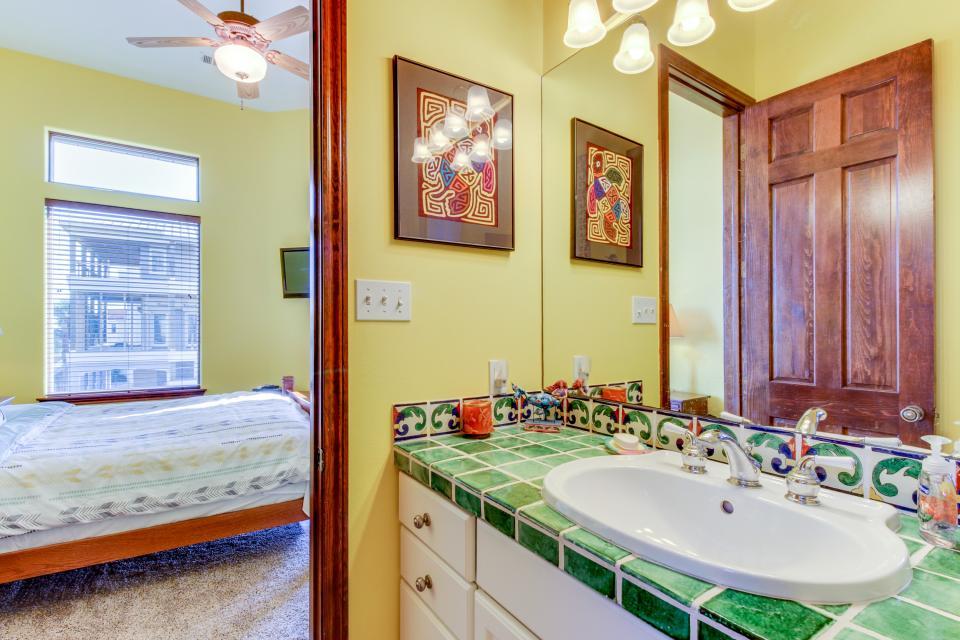 Suite Retreat  - Galveston Vacation Rental - Photo 21