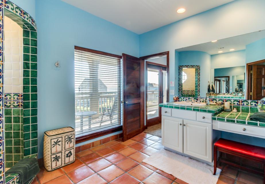 Suite Retreat  - Galveston Vacation Rental - Photo 17