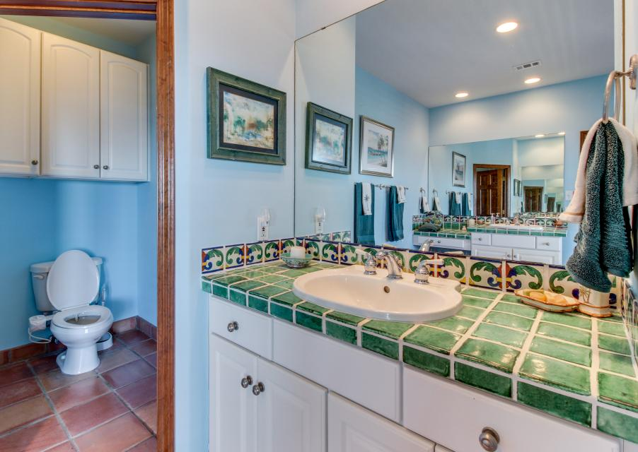 Suite Retreat  - Galveston Vacation Rental - Photo 18