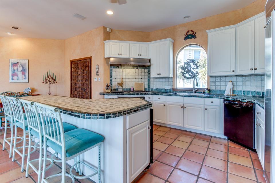 Suite Retreat  - Galveston Vacation Rental - Photo 8