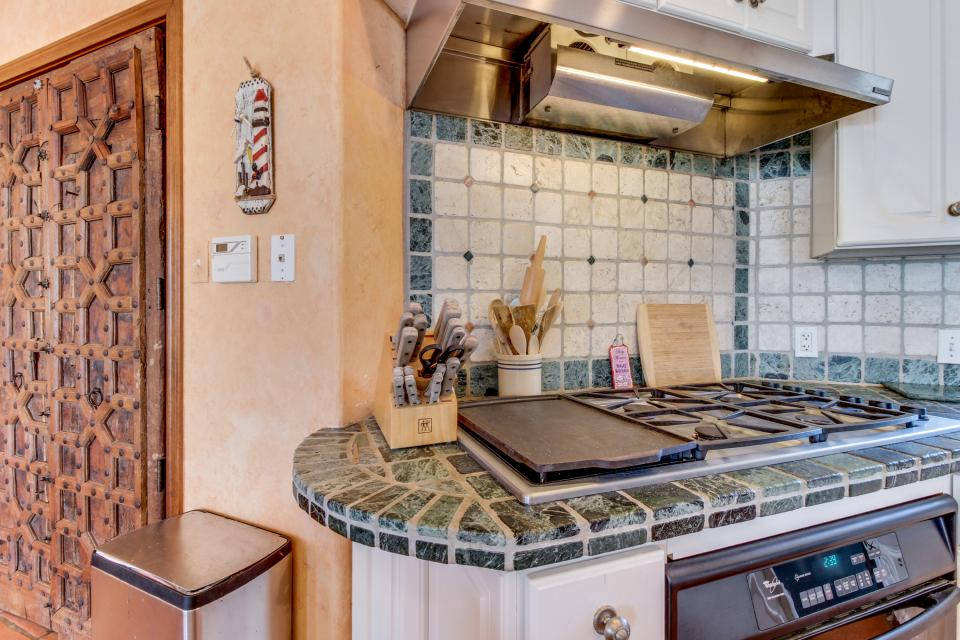 Suite Retreat  - Galveston Vacation Rental - Photo 10