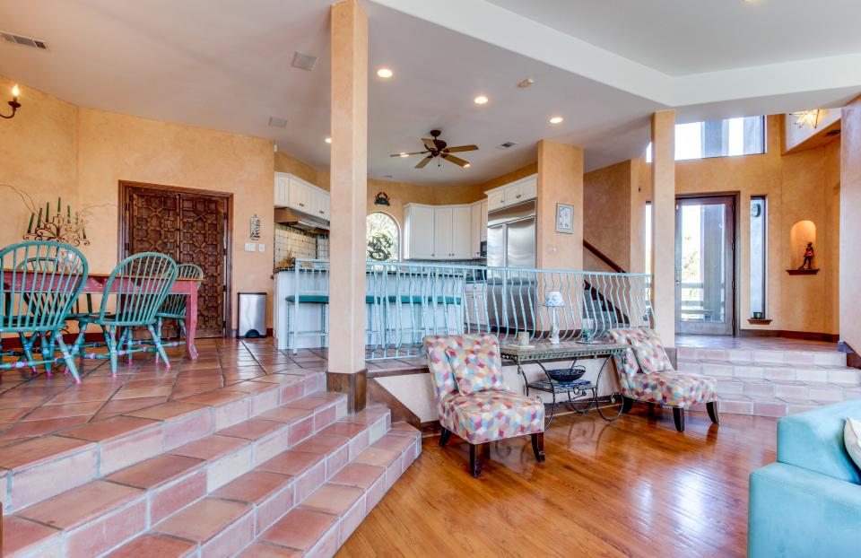 Suite Retreat  - Galveston Vacation Rental - Photo 36