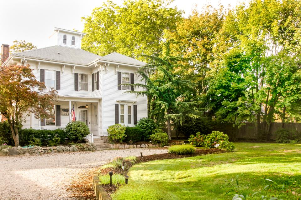 Historic Whaling Captain S Home 6 Bd Vacation Rental In
