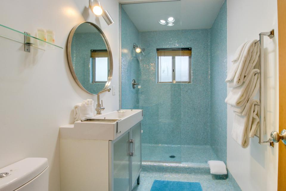 Beach Modern Retreat - Rockaway Beach Vacation Rental - Photo 23