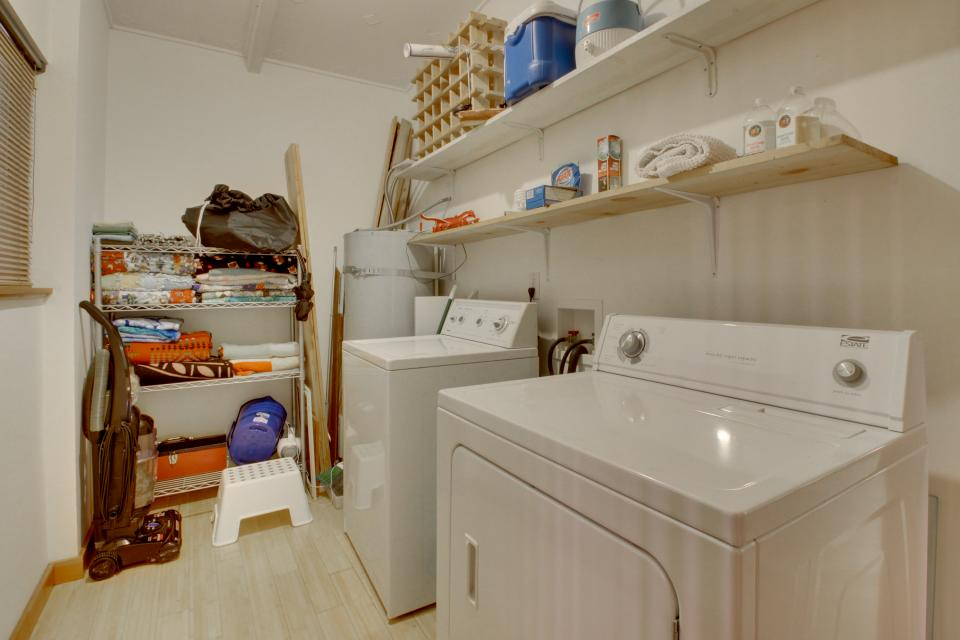Beach Modern Retreat - Rockaway Beach Vacation Rental - Photo 26