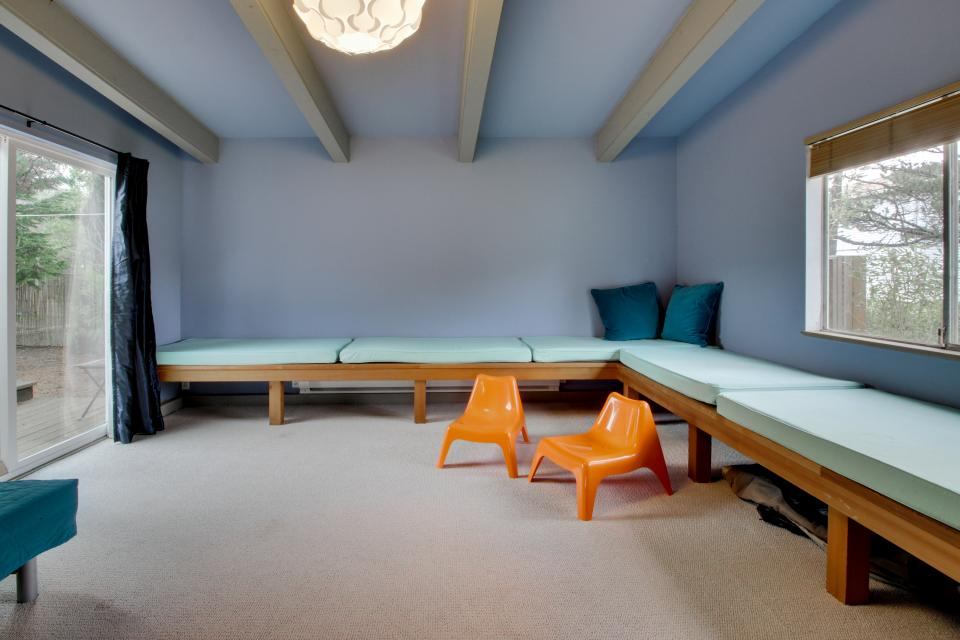 Beach Modern Retreat - Rockaway Beach Vacation Rental - Photo 24
