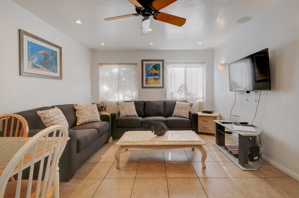 Mike's Place at the Beach - San Diego Vacation Rental - Photo 4