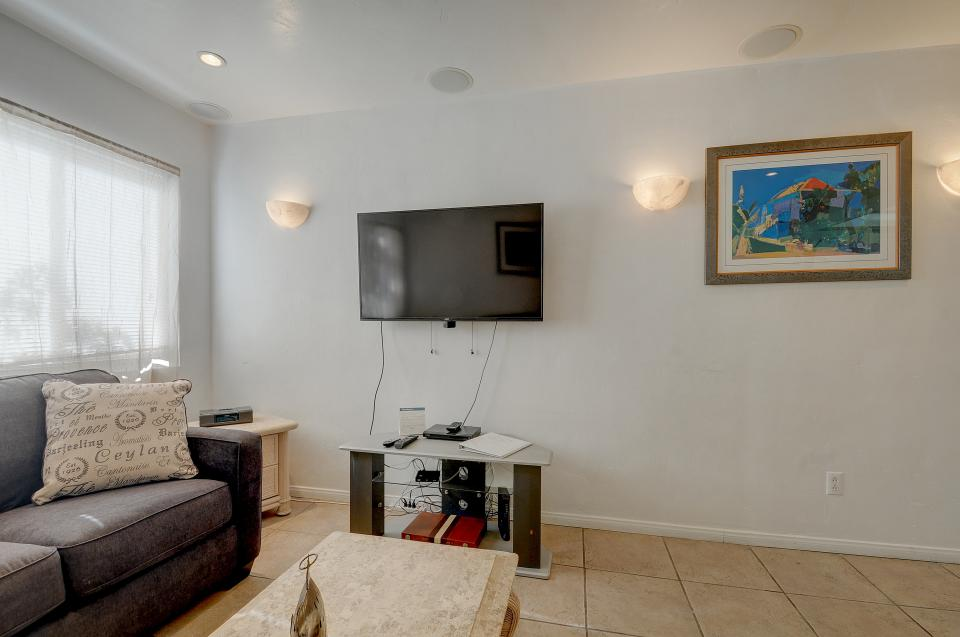Mike's Place at the Beach - San Diego Vacation Rental - Photo 6