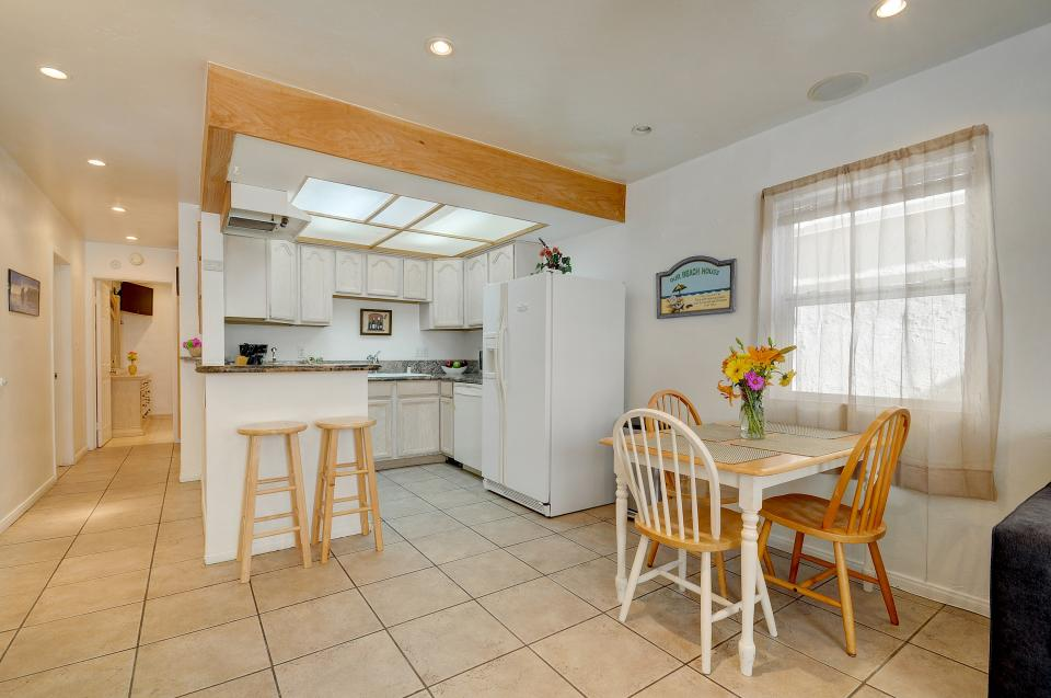 Mike's Place at the Beach - San Diego Vacation Rental - Photo 8