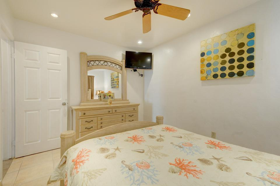 Mike's Place at the Beach - San Diego Vacation Rental - Photo 18