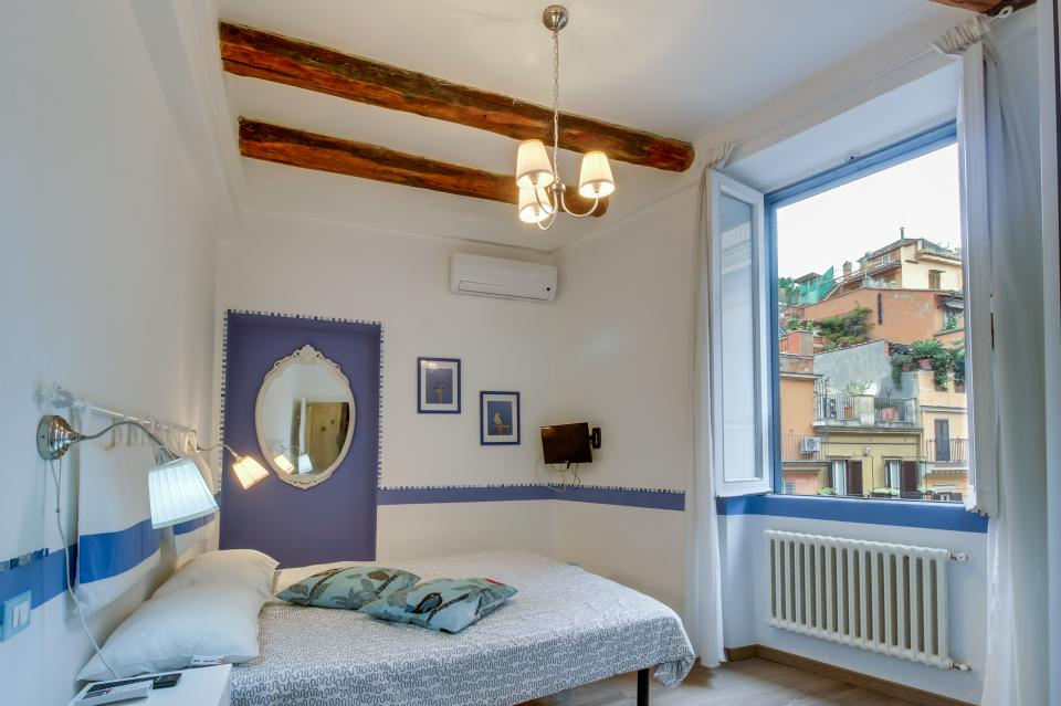 Spanish Steps Luxury Apartment - Rome Vacation Rental - Photo 10