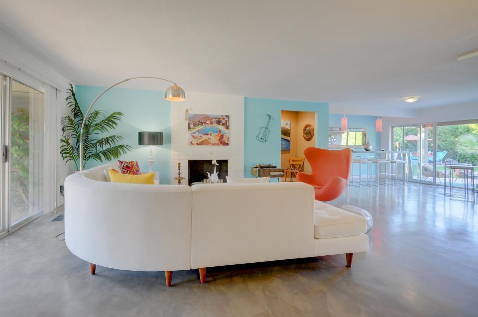 Retro Hip Desert Escape - Palm Springs Vacation Rental - Photo 3
