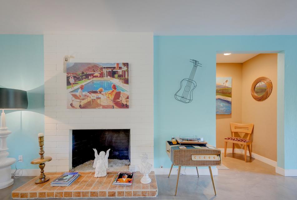 Retro Hip Desert Escape - Palm Springs Vacation Rental - Photo 4