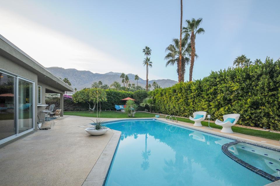 Retro Hip Desert Escape - Palm Springs Vacation Rental - Photo 8