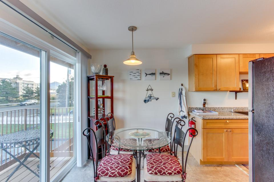 Holden's Post | Riverwalk Condominiums #4 - Seaside Vacation Rental - Photo 8